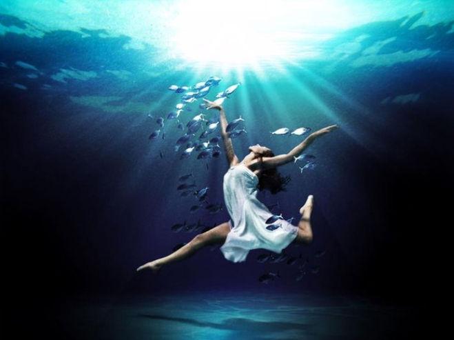 человек в воде