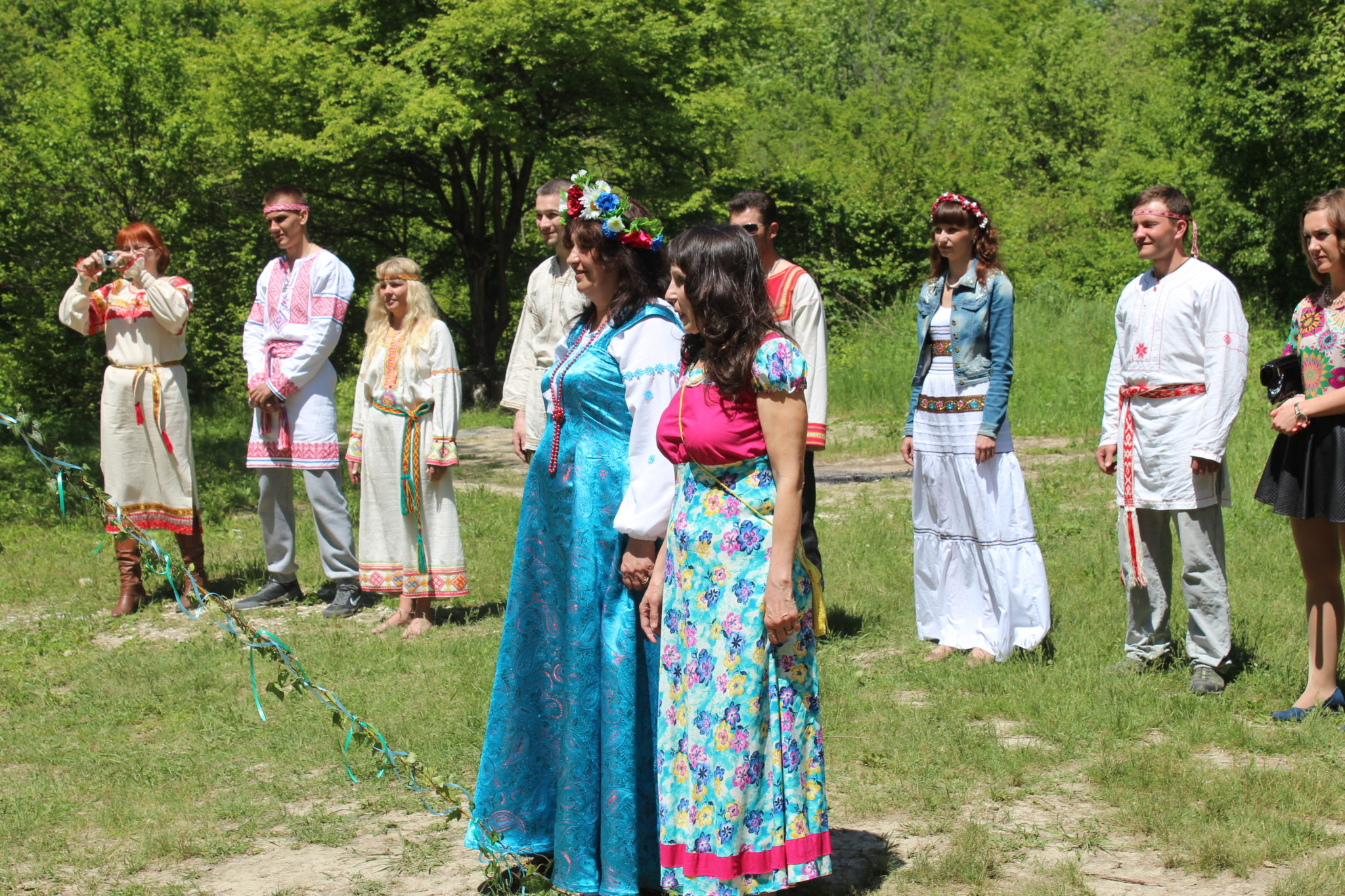 Наши мамы на славянской свадьбе