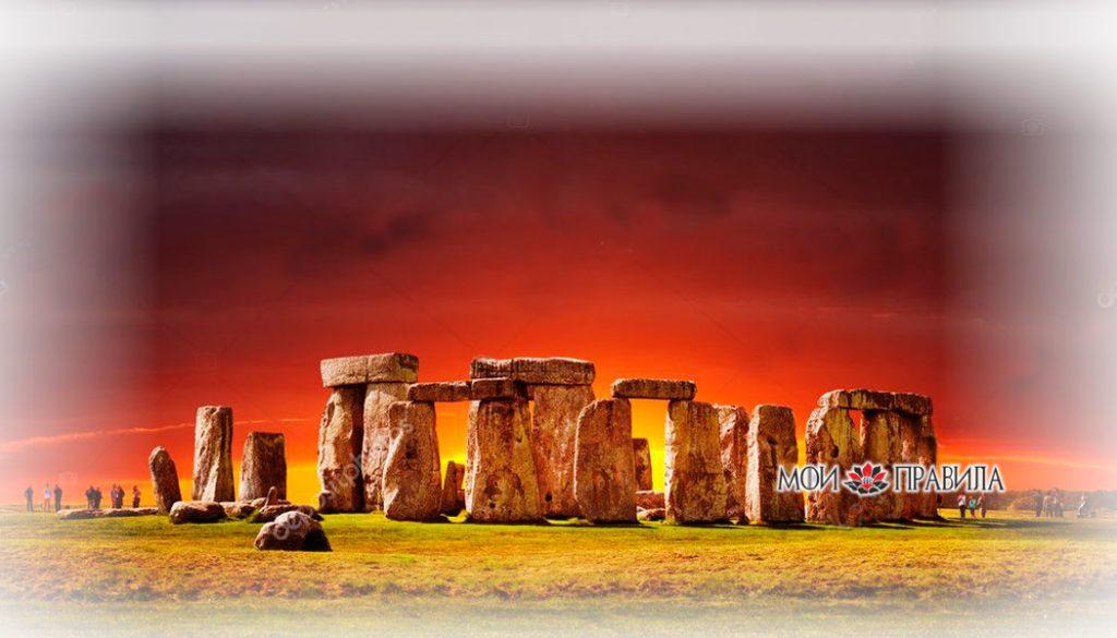 Photo of Танцующие камни Великобритании или Стоунхендж – одно из самых таинственных мест королевства